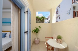 Semi-Basement One-Bedroom Apartment with Balcony ormos naxos room-10